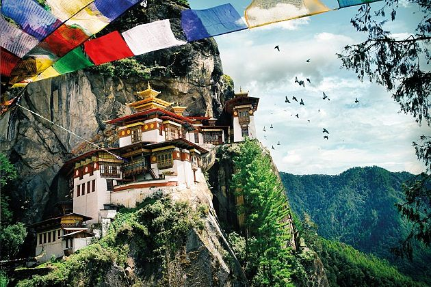 tiger nest - 10 best things to do in bhutan