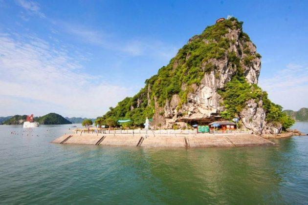 titop island at halong bay