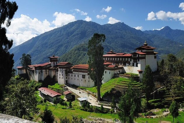 trongsa dzong - bhutan vacation