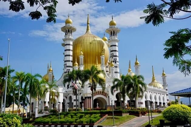 ubudiah mosque - malaysia classic tour package